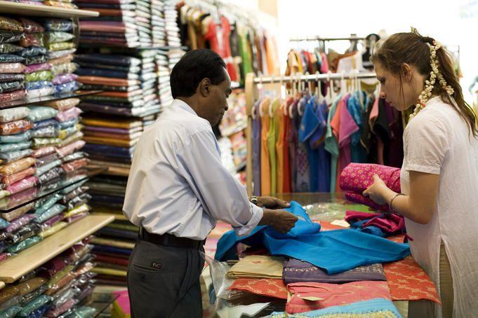 Nakoda Maula is the best place to shop in Mumbai.