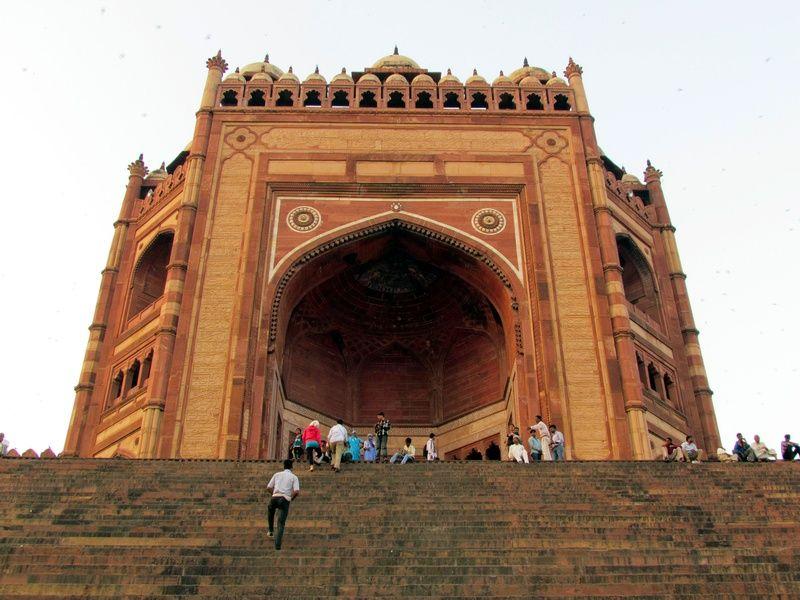 Buland Darwaza is a must visit tourist spot in Gurgaon.