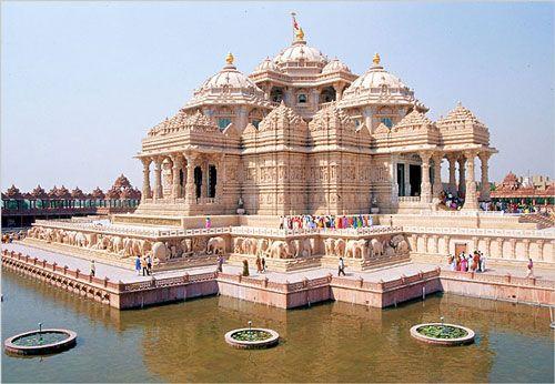 Swaminarayan Akshardham is a peaceful place in Gurgaon.