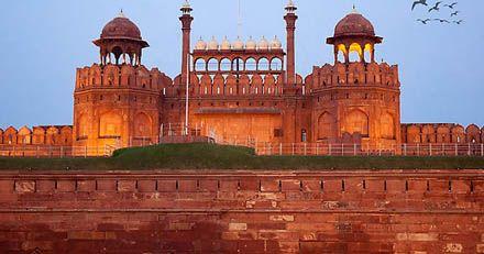 Must visit tourist destination in Ghaziabad - Red Fort.